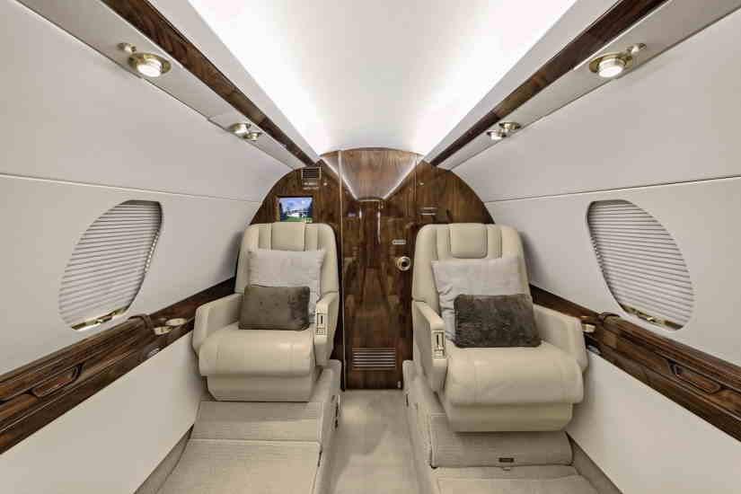 бизнес джет Dassault Falcon 20