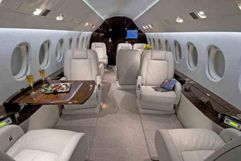 салон самолета Dassault Falcon 2000 DX