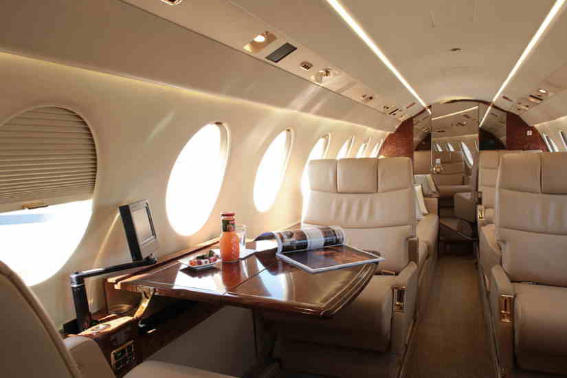 салон самолета Dassault Falcon 50 EX