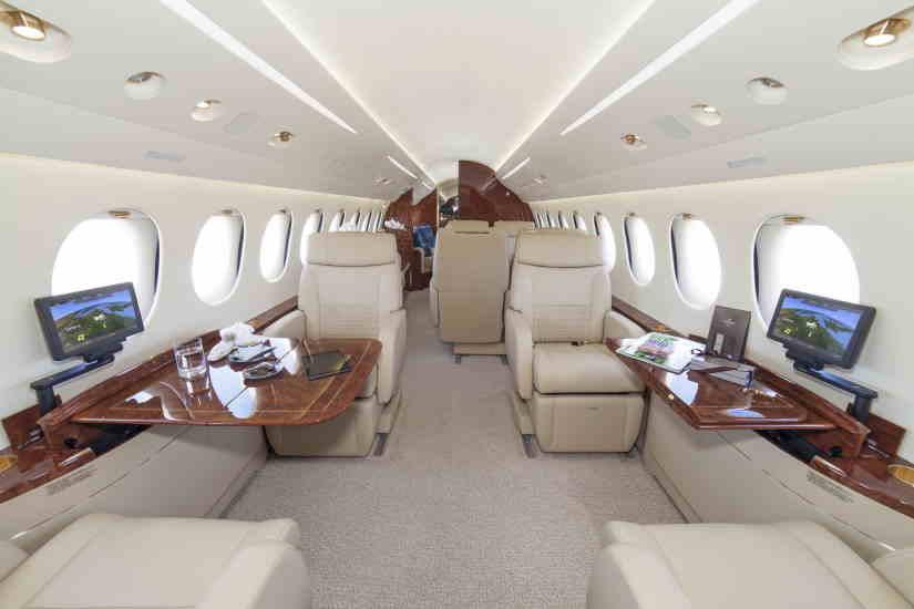 салон самолета Dassault Falcon 8X