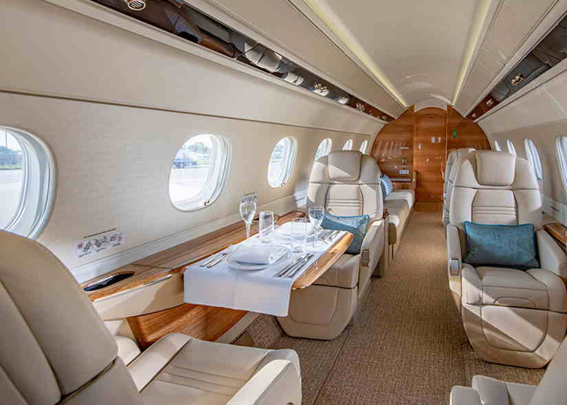 салон самолета Embraer Legacy 500
