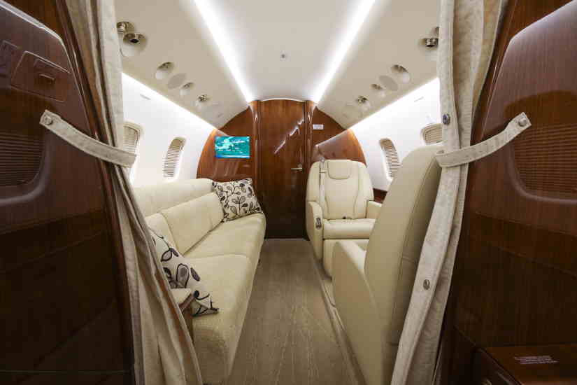 бизнес джет Embraer Legacy 650