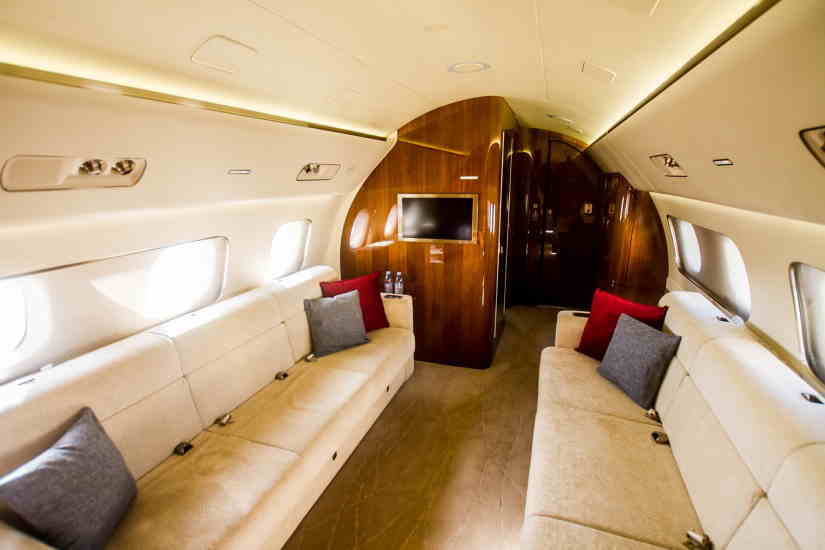 салон самолета Embraer Lineage 1000