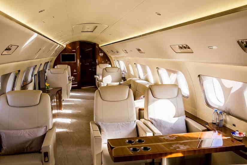 бизнес джет Embraer Lineage 1000