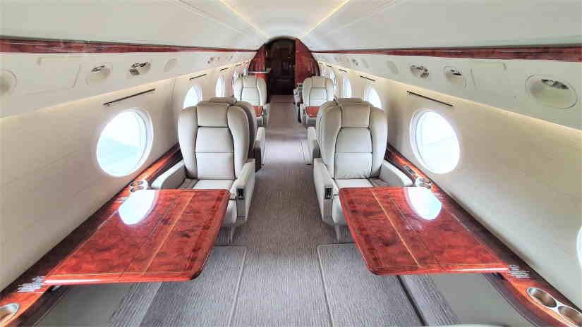 салон самолета Gulfstream G300