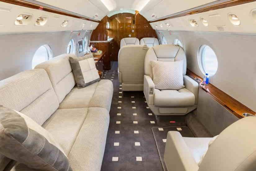 салон самолета Gulfstream G350