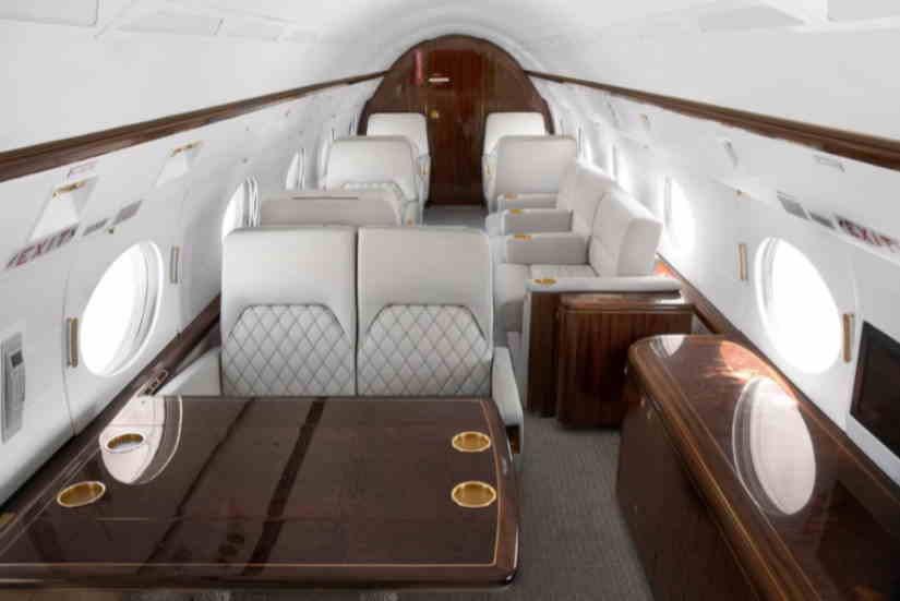 салон самолета Gulfstream II