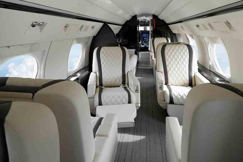 салон самолета Gulfstream IVSP
