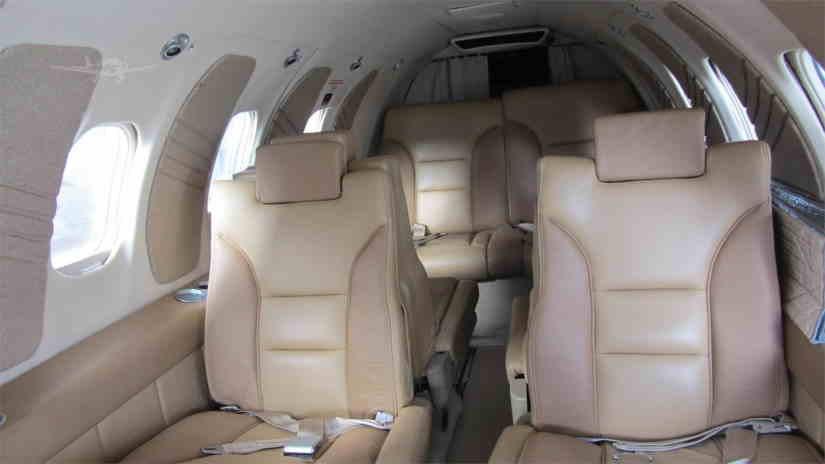 бизнес джет Learjet 25