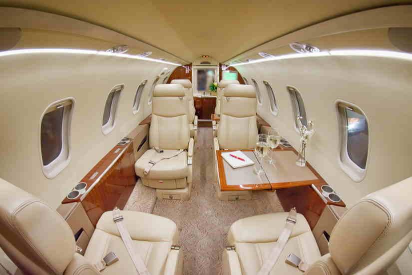 салон самолета Learjet 40 XR