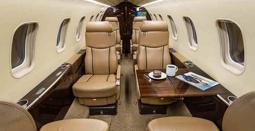салон самолета Learjet 45 XR