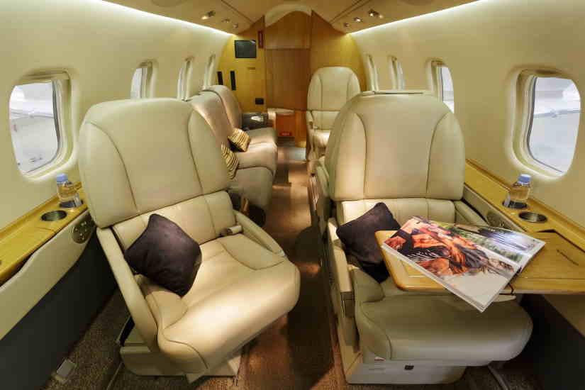 бизнес джет Learjet 60