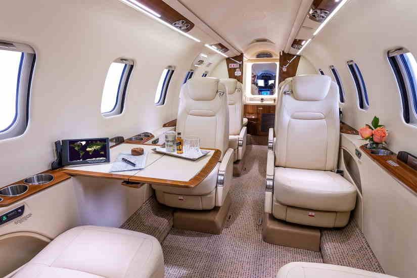 бизнес джет Learjet 70