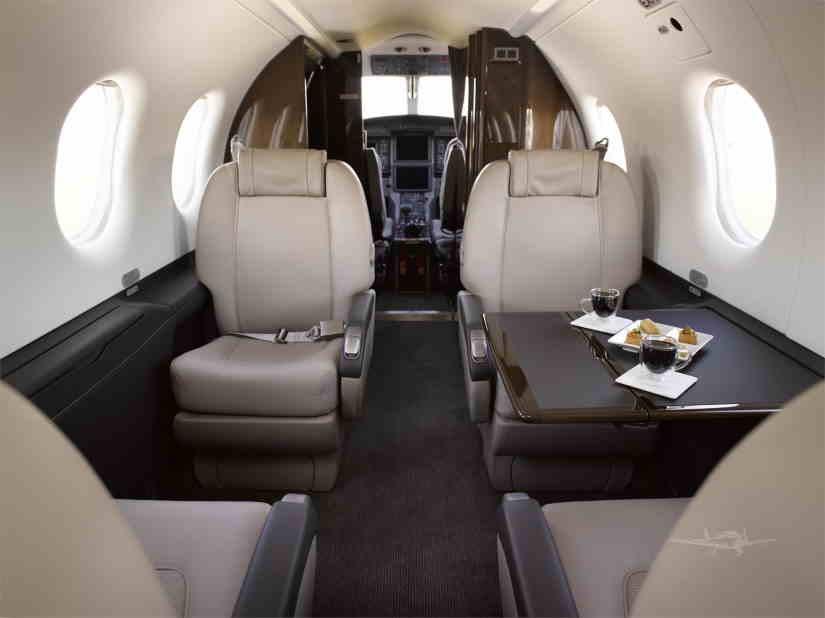 салон самолета Pilatus PC-12