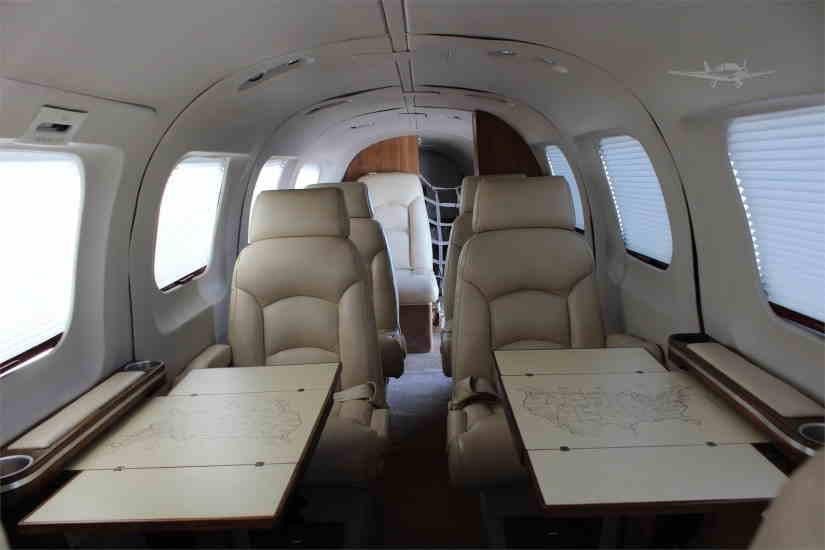 салон самолета Piper Cheyenne