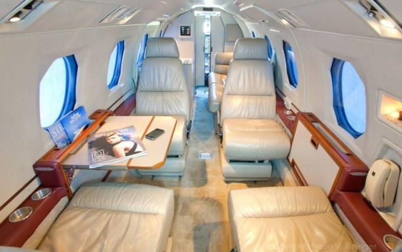 салон самолета Mitsubishi MU-300