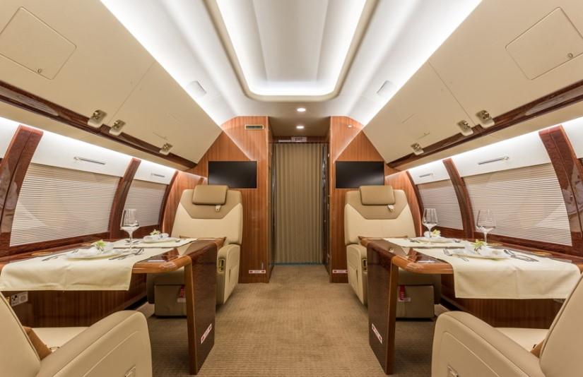 салон самолета Sukhoi Business Jet