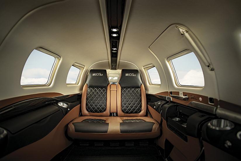 салон самолета Piper М600