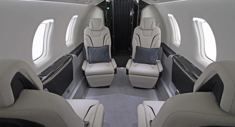 салон самолета Pilatus PC-24