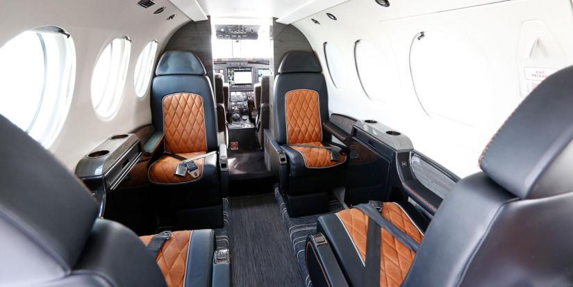 салон самолета Nextant G90XT