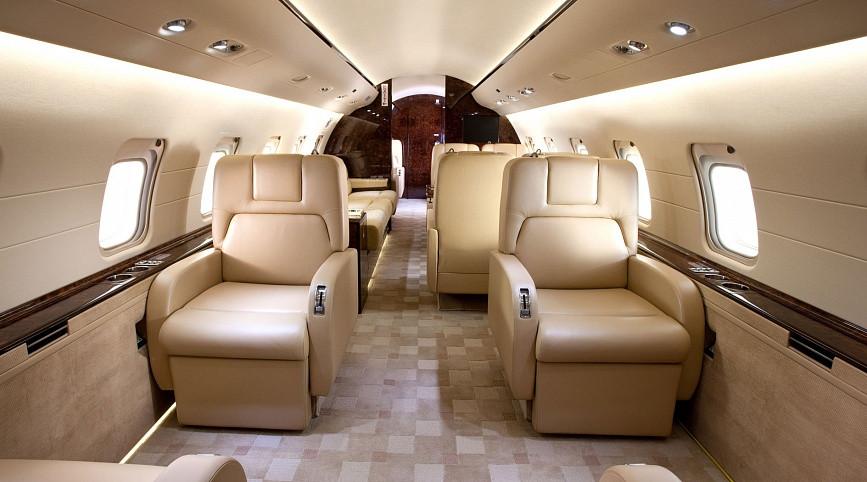 салон самолета Bombardier Challenger 850