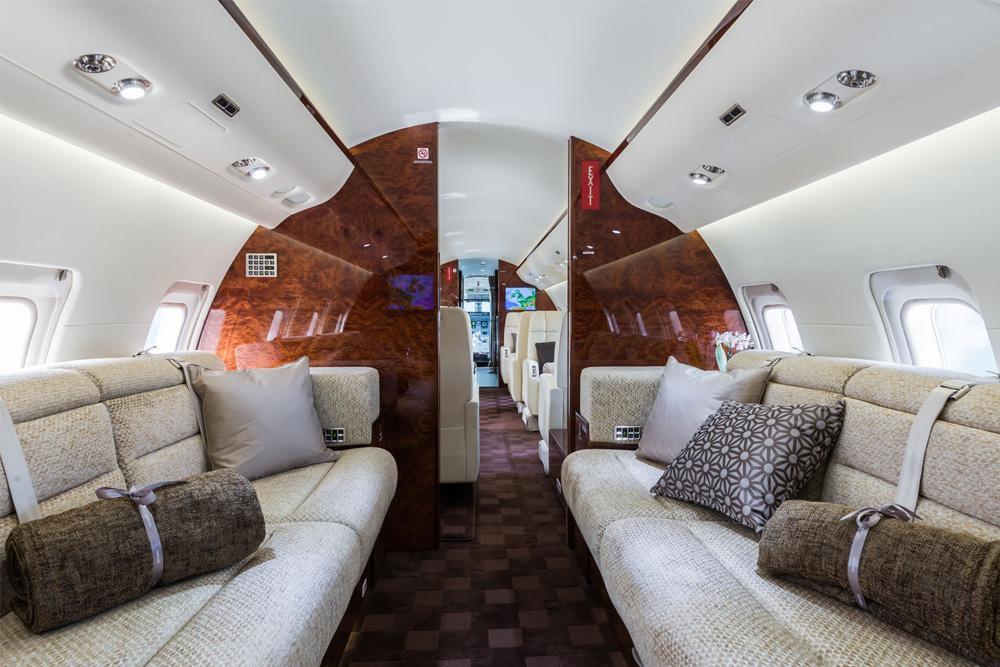 бизнес джет Bombardier Challenger 850