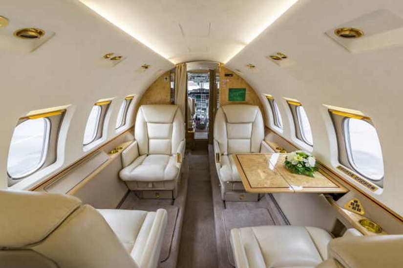 салон самолета Beechcraft Hawker 1000