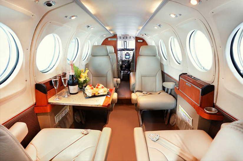 бизнес джет Beechcraft King Air 100