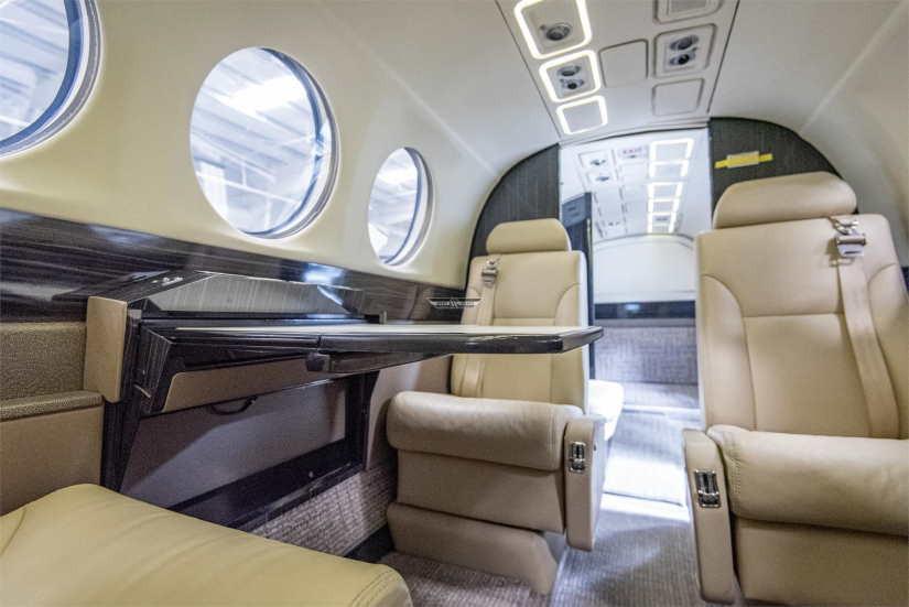бизнес джет Beechcraft King Air 300