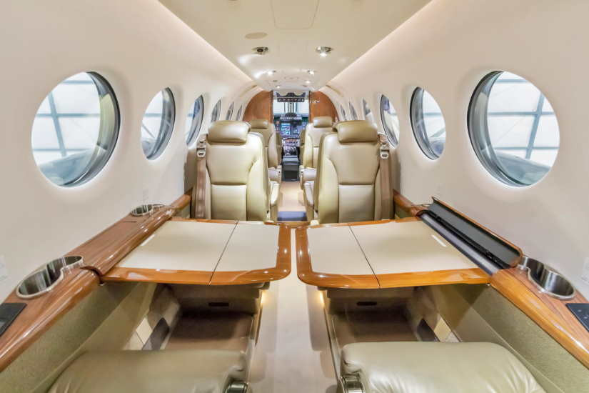 бизнес джет Beechcraft King Air 350