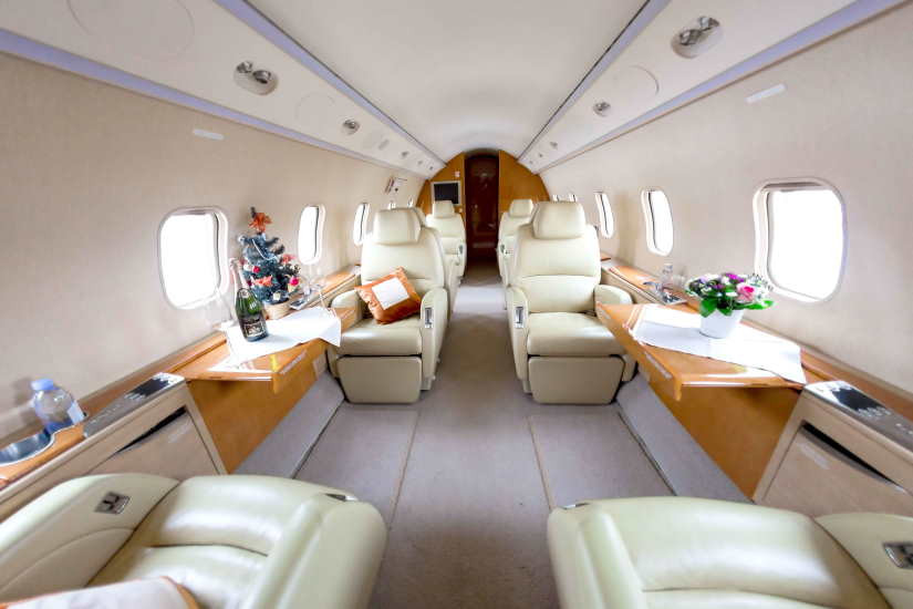 бизнес джет Bombardier Challenger 300