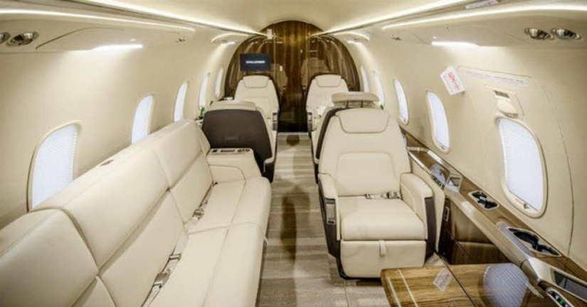 салон самолета Bombardier Challenger 350