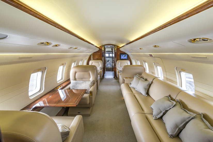 бизнес джет Bombardier Challenger 601