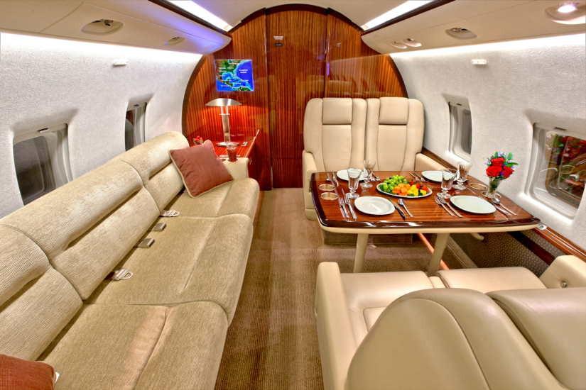 бизнес джет Bombardier Challenger 604