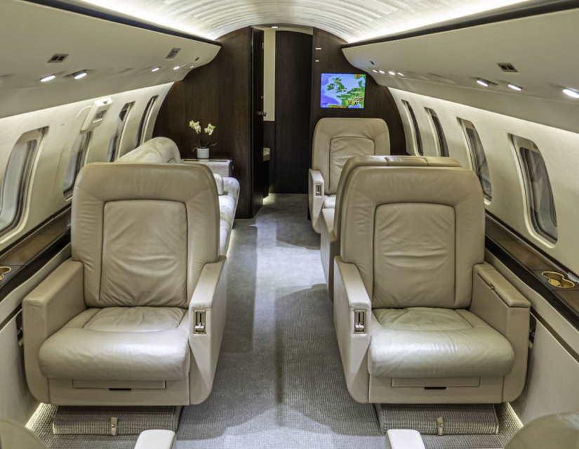 бизнес джет Bombardier Challenger 605