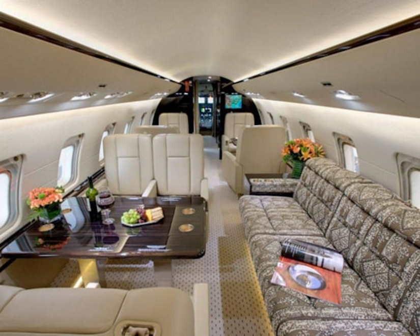 бизнес джет Bombardier Challenger 800