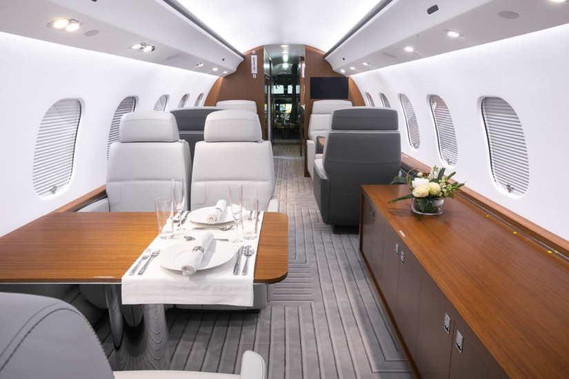 салон самолета Bombardier Global 6000