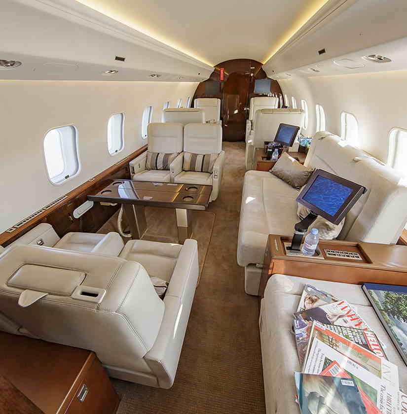 салон самолета Bombardier Global Express