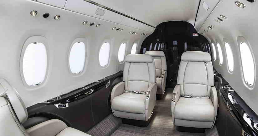 салон самолета Cessna Citation Latitude