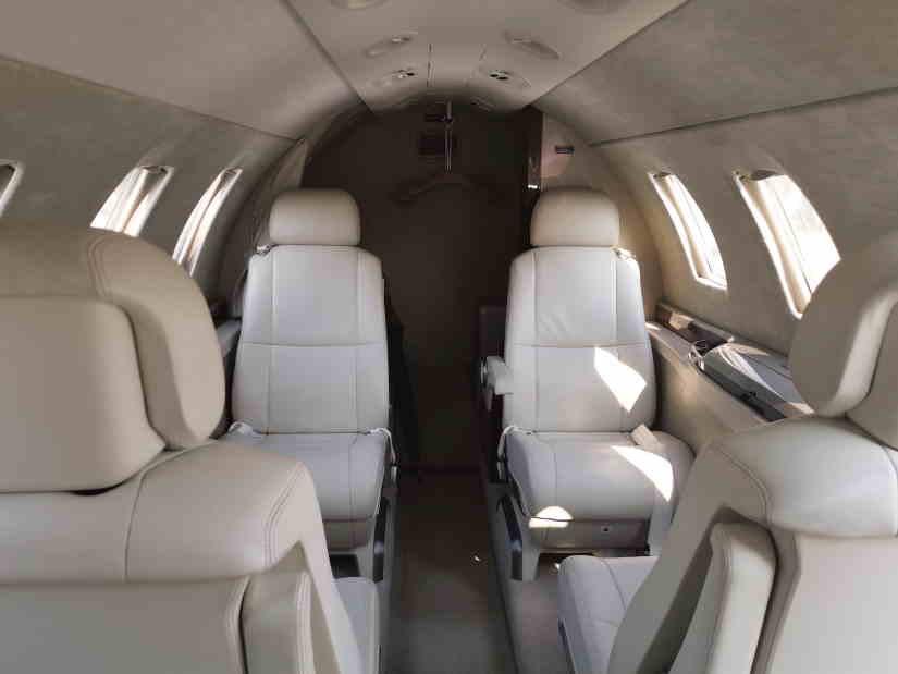 салон самолета Cessna Citation M2