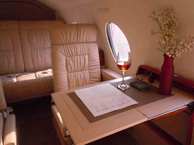 арендовать бизнес джет Dassault Falcon 10