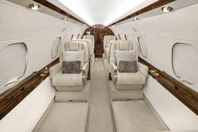 перелет самолетом Dassault Falcon 20