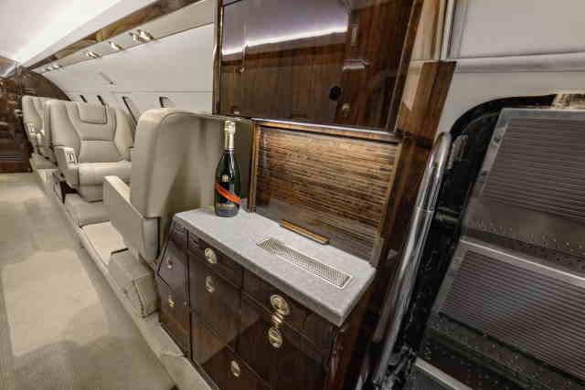 арендовать бизнес джет Dassault Falcon 20