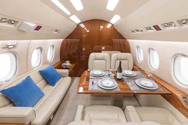 арендовать бизнес джет Dassault Falcon 2000