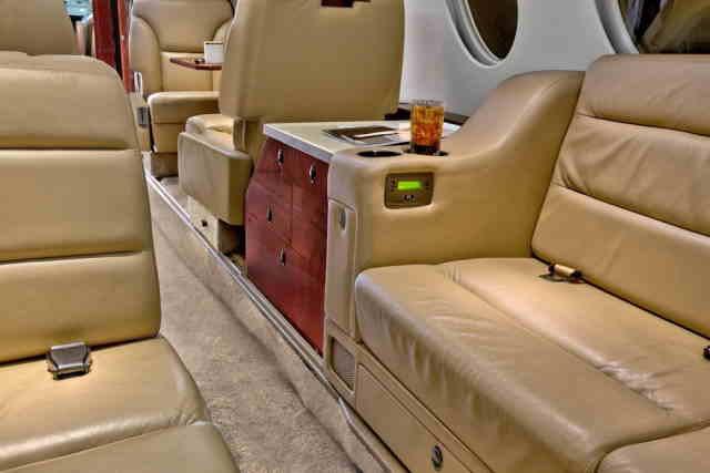 аренда самолета Dassault Falcon 50