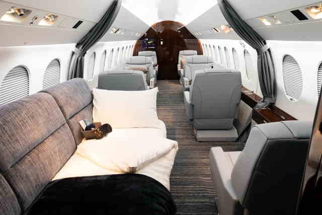 интерьер салона самолета Dassault Falcon 900 EX