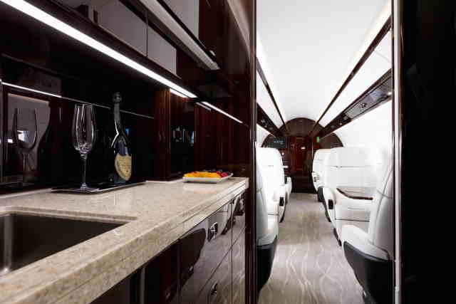 бизнес джет Embraer Legacy 500 в России