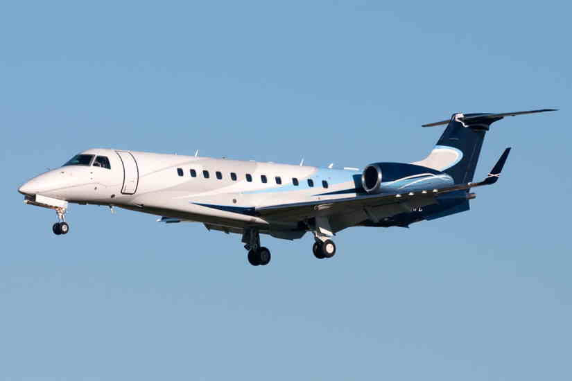 самолет Embraer Legacy 600