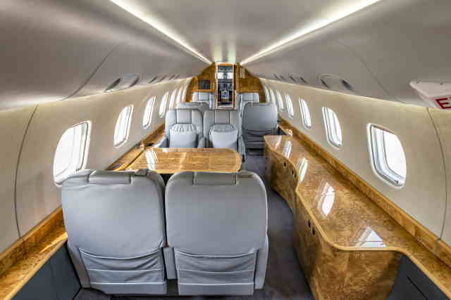 фото частного самолета Embraer Legacy 600