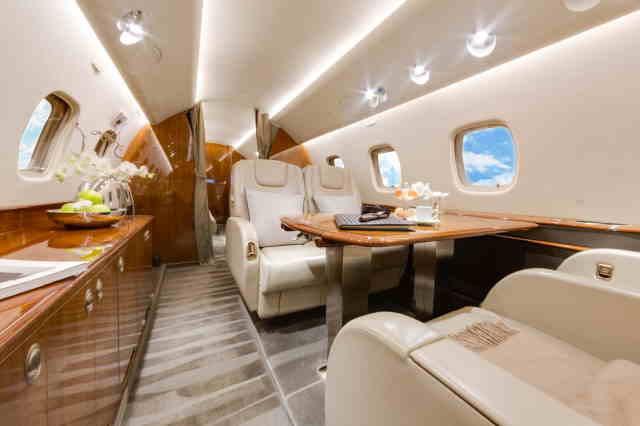 фото частного самолета Embraer Legacy 650